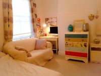 LARGE DOUBLE ROOM FOR RENT FROM 5/11/16.