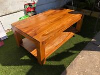 Solid Oak Coffee Table – Good condition