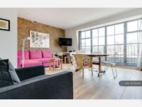 1 bedroom flat in Turner Street, London, E1 (1 bed) (#1115352)