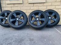 Range Rover Velar / Evoque / Freelander 2 19 Inch Alloy Wheels - Gloss Black - 7mm+ Pirelli tyres!