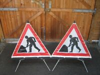 ROLL-UP MEN AT WORK TRIPOD SIGNS