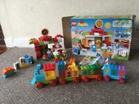 Lego Duplo pizza house set