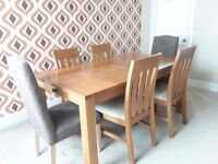 Dinning Table, solid Oak table for sale