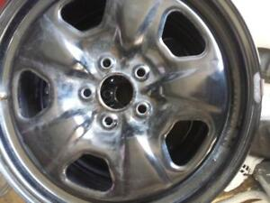 CHEVY CAMARO FACTORY OEM 18 INCH STEEL RIM SET OF FOUR.THE WHEELS HAVE TPMS.