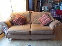 Fabulous 3 piece suite inc. recliner