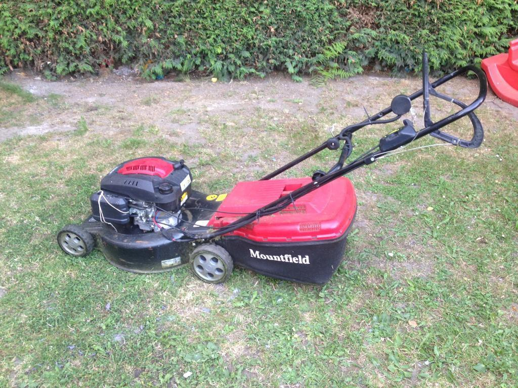 Mountfield self propelled petrol lawn mower with electric key start