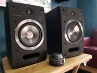 Pioneer s-dj05 powered speakers