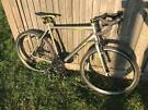 Dawes Discovery Road 1 Urban Bike. Ex Display, As New. Free Lock, USB Lights, Delivery