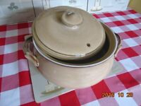 2 denny oven to table dishes c/w lids