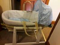 Moses basket bedding,rocking stand and 5 bottom sheets