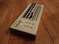 Roland Boutique TR-09 Drum Machine (TR 909)