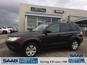 2013 Subaru Forester ACCIDENT FREE 2.5X Touring Heated seats Pow