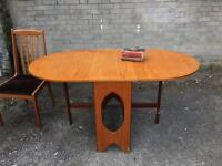 LOVELY MIDCENTURY DINNING TABLE FREE DELIVERY 🇬🇧