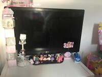 "LG 32"" fully working tv"
