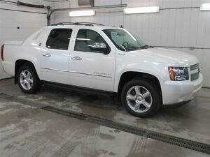 2013 Chevrolet Avalanche LTZ, Heated & Colled Front Seats, Leath