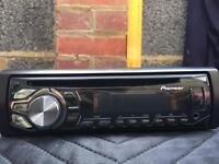 Pioneer DEH-1600UB car stereo