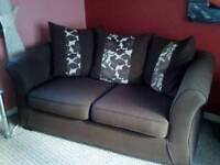 2 SEATER SOFA VERY NICE CONDITION