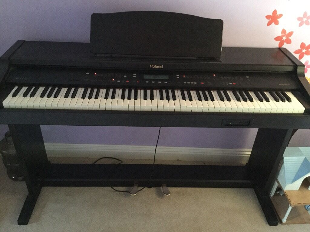 Roland Piano Kr 75 Digital Intelligent Piano In Old