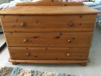 Wooden chest of drawers (3drawers)