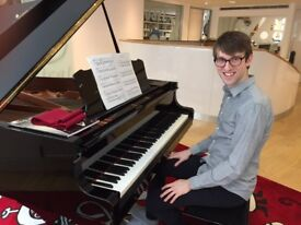 Piano Lessons in West London by Music Graduate / I can teach in French or English