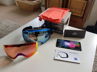 Brand new Giro Contact ski goggles with 2x Vivid lenses