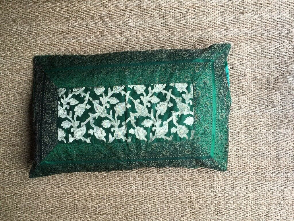 INDIAN EMBROIDERED CUSHION COVER AND INNER CUSHION