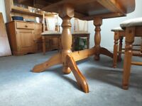 Solid pine extendable dining table and chairs all in good condition