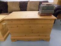 Solid Pine Blanket Box/Ottoman/Storage Chest/Toy Box