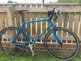 On One Pompino XL excellent condition with spd pedals, V brakes fixed or single speed, mudguards