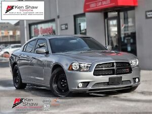 2014 Dodge Charger SXT with nav!!