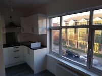 2 Bedroom Flat for Rent in Isleworth includes Parking