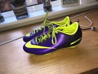 Mens size 5 football boots