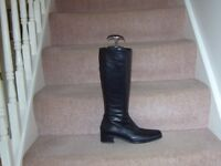 BLACK LEATHER LONG BOOTS SIZE 5
