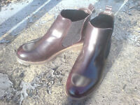 PAIR OF SIZE 6/39 DARK CHOCOLATE BROWN CHELSEA BOOTS