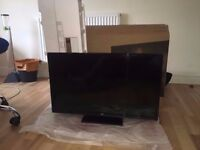 Mint condition 32 inch LED TV