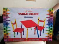 Kids craoyla table and chairs