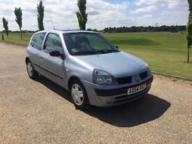 Renault Clio 1.2 Ideal first car