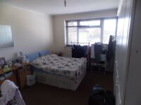 -MASTER DOUBLE ROOM IN KENSAL RISE AREA AVAILABLE NOW-