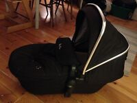 Silver Cross Wayfarer travel system. Complete set incl. car seat and rain cover - great condition.