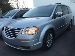 2008 Chrysler Town & Country Touring 75$/sem