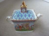 Sadler Classic Collection Teapot 'A Round of Golf '