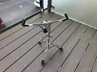 Snare stand drums