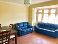 A Newly Renovated 2 Bed Plus Additional Study/Office Room - Norbreck Gardens, London, NW10 7HS