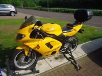 Triumph Daytona 955i with performance parts
