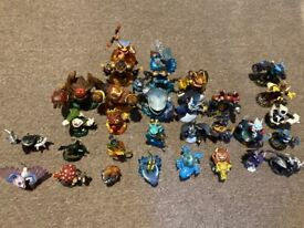 Collection of 31 Skylanders (used)