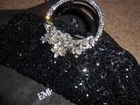 BLACK UNZE BEADED AND CRYSTAL EVENING BAG.