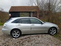 Rare Lexus IS200 2.0L MANUAL sportcross - Top of the range-fully loaded - export estate family car