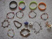 Bracelets et bagues / bracelets and rings