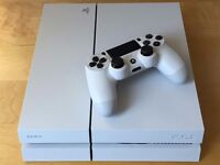 PS4 console 500gb Glacier White *MINT CONDITION USED ONCE*
