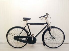 A Medium Size VINTAGE RALEIGH Mens City Bike Hybrid 3 speed Lightweight Alloy Frame,